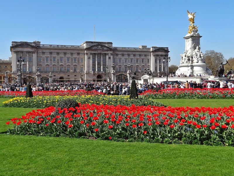 Take a look inside Buckingham Palace with Google s virtual reality Pictures inside buckingham palace london england
