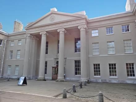 Eingang zum Kenwood House