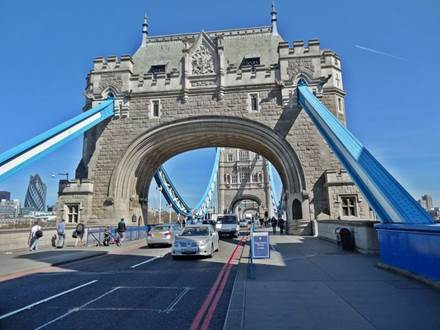 Tower Bridge - Südufer der Themse