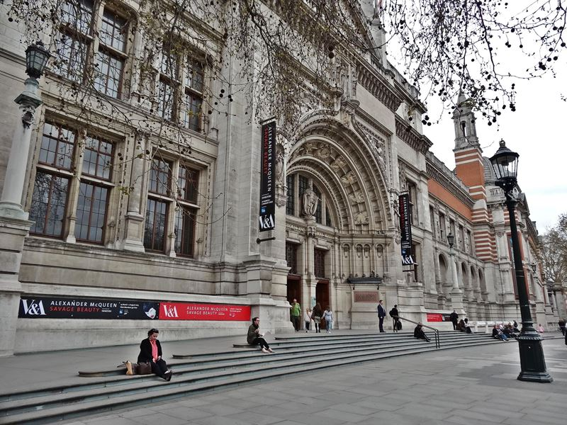 Victoria and albert museum art for free in london for Victoria and albert museum london