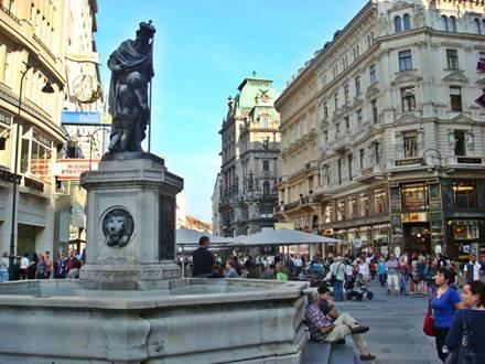 Fountain Leopoldsbrunnen Graben
