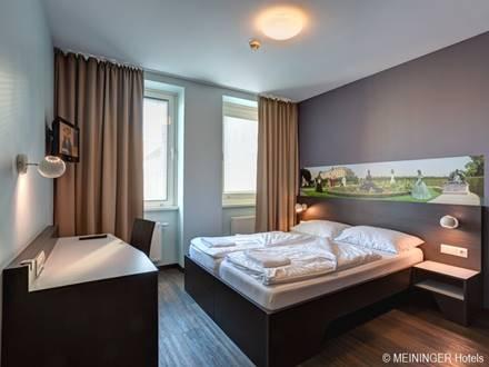 Zweibettzimmer Meininger Hotel Sissi