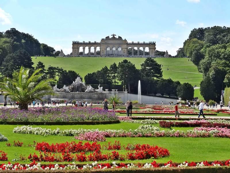 Schönbrunn Palace Top 10